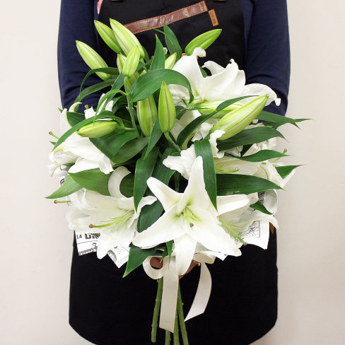 2cedf5de3d69900 ✓ Букет с лилиями купить он-лайн в интернет-магазине цветов ...